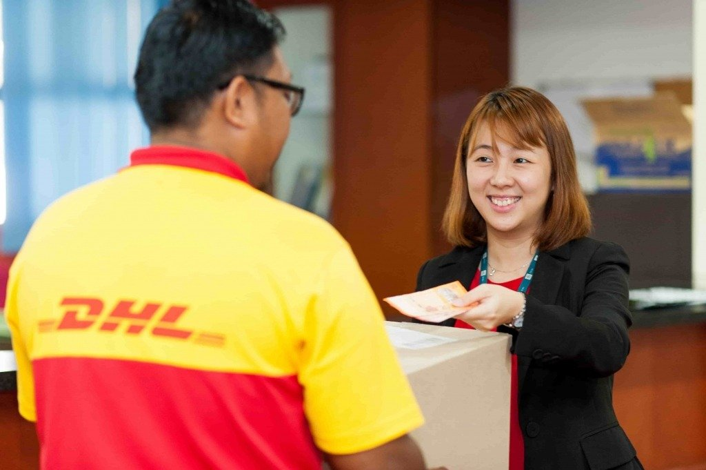 dhl ecommerce malaysia delivery 02 min